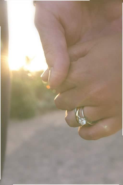 detalle del anillo de boda
